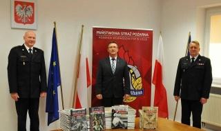 Materiały edukacyjne od IPN trafiły do KW PSP w Łodzi