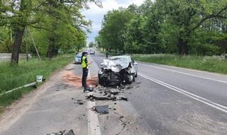 Tragiczny wypadek w gminie Łask, nie żyje mężczyzna. Kilka osób rannych