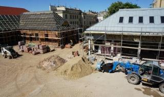 Mimo pandemii praca wre. Trwa budowa muzealnego kompleksu Pałacu Saskiego w Kutnie