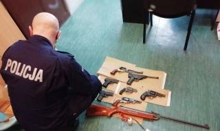 Nielegalna broń i amunicja u 70-latka z gminy Grabów. Prokuratura prowadzi śledztwo