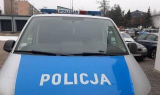 Policjanci z Głowna uratowali starszą kobietę. W mroźną noc spacerowała w piżamie i klapkach